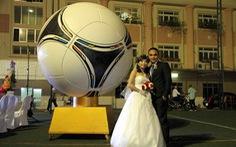 Đám cưới độc đáo của tiền vệ Kim Hồng