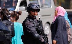 """Cảnh sát Trung Quốc bắn chết sáu """"kẻ tấn công"""" ở Tân Cương"""