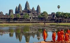 Bị bắt vì chụp ảnh khỏa thân ở đền Angkor