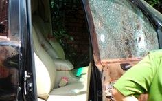 Đôi nam nữ chết trong xe hơi: Bắn người tình rồi tự sát