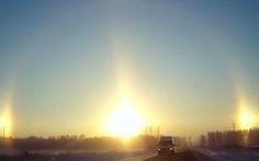 """""""3 mặt trời"""" cùng mọc ở Nga"""