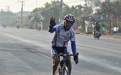 Tuổi 75 vẫn đạp xe ngàn cây số