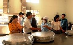 Thanh tra đột xuất các điểm nấu ăn củaPhú Nhật Hào