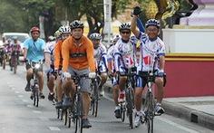 Dân Thái vinh danh đoàn xe đạp VN