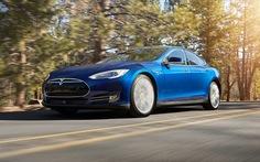 Ra mắtTesla Model S 70Ddẫn động hai cầu