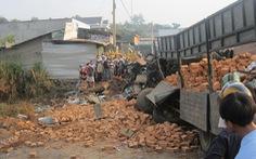 Hai xe tải tông nhau trên quốc lộ 14, 6 người chết