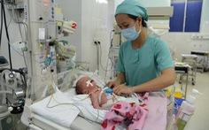 Đặt máy tạo nhịp tim cứu sống bé trai vừa chào đời