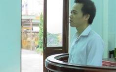 Dùng vật nhọn đâm vùng kín phụ nữ: tù 18 tháng