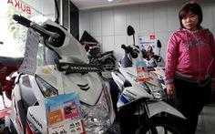 """Dân Đông NamÁ """"ngán""""mua xe máy"""