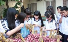 Học sinh trường Phạm Ngũ Lão bán 7,2 tấn hành cho bà con