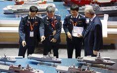 Trung Quốc động thổ xây 2 hải đăng trên biển Đông