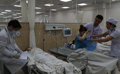 Vừa xuất viện, công nhân lại nhập viện nghi do ngộ độc khí