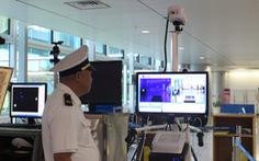 Đo thân nhiệt hành khách nhập cảnh sân bay Tân Sơn Nhất