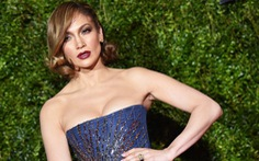 Đầm ánh kim lấp lánh thảm đỏ Tony Awards 2015