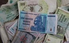 Zimbabwe đổi tiền,35 triệu tỷ ZD chỉ đổi được 1 USD