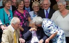 Đôi cô dâu chú rể cao tuổinhất thế giới