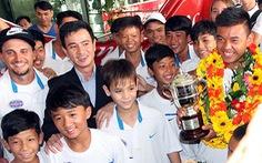 Hoàng Nam mở đường cho các tay vợt trẻ