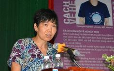 GS.TS Lưu Lệ Hằnggiao lưu với sinh viên Huế