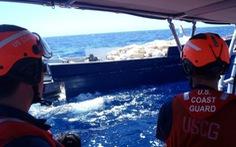 Mỹ bắt 5.400kg ma túy trên tàu ngầm nửa chìm