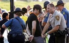 Ban bố tình trạng khẩn cấp về bạo động sắc tộc Mỹ