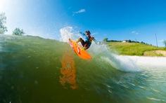 Xứ Wales mở cửa hồ lướt sóng nhân tạo lớn nhất thế giới