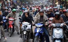 Chạy xe ở Việt Nam sợ nhất băng qua đường?