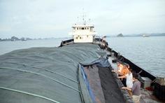 Cảnh sát biển bắt tàu chở 3.700 tấn than cám không giấy tờ