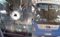 Xe khách Gia Lai lại bị ném đá trong đêm quốc lộ