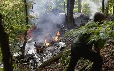 Máy bay đụng nhau, 7 người chết, 31 nhảy dù thoát