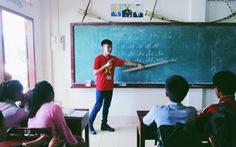 Gieo chữ Việt trên đất Lào