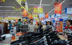 Tháng khuyến mãi: Hàng hóa phong phú, giá giảm sâu