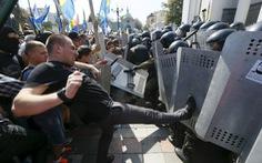 Ngày thứ hai đẫm máu ở Kiev