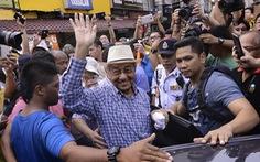 Cựu thủ tướng Malaysia bị thẩm vấn