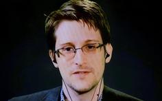 Edward Snowden sẵn sàng vào tù để về Mỹ