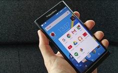 """BlackBerry """"bỏ cuộc chơi"""" smartphone từ năm 2016?"""