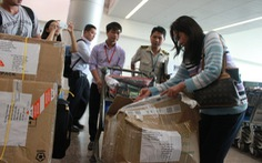 Nhiều nhân viên mặt đất Tân Sơn Nhất lấy tài sản khách