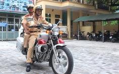 Cảnh sát giao thông Thanh Hóagắn camera trên mũ khi tuần tra