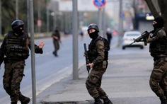 Cảnh sát Thổ Nhĩ Kỳ đọ súng khủng bố, 7 người chết