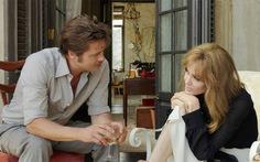 """Brad Pitt: AngelinaJoliecắt bỏ buồng trứng """"vì các con"""""""