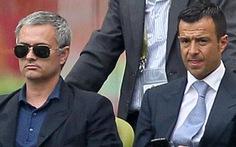 """""""Mourinho sẽ giúp Chelsea vượt qua khó khăn"""""""