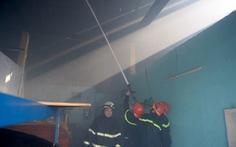 Cháy dữ dội 11 kiốt quận 8, một người chết