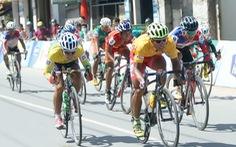 Đoàn đua xe đạp bị dẫn đường nhầm!