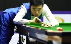 Tay cơ Trung Quốc văng tục khi thua đối thủ nghiệp dư