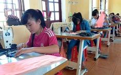 Dạy nghề cho học trò vùng cao
