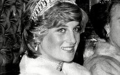 Công nương Kate đội vương miện của công nương Diana