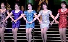 """Nhóm nữ gợi cảm Moranbong hủy diễn vì """"lời bài hát chống Mỹ"""""""