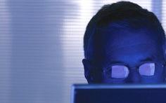 Mua bảo hiểm đề phòng bị xúc phạm trên mạng