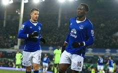 Lukaku tạo lợi thế cho Everton trước Man City