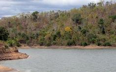 Mênh mang hồ Cà Dây giữa vùng nắng cháy