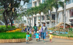 """""""Về làng"""" ở Hội chợ hoa Phú Mỹ Hưng"""